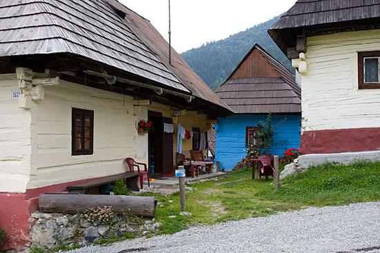 Vlkolinec, Wooden houses