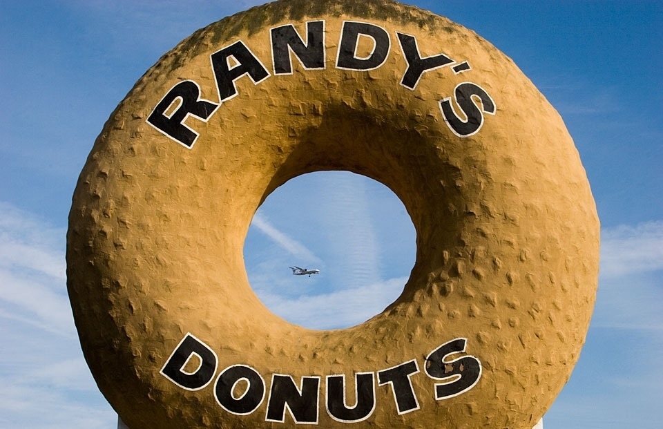 Los Angeles, Randy's Donuts