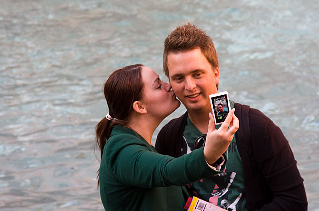 Rome, Mobile kiss