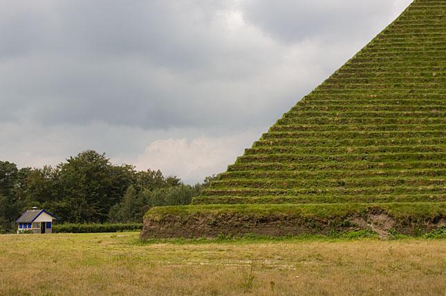 Austerlitz, Pyramid