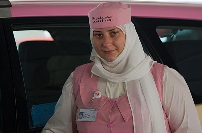 Dubai, Taxi driver