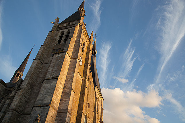 Dourdan, Catholic church