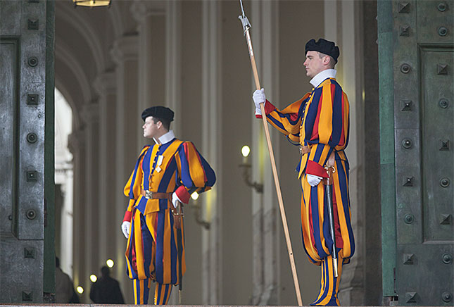 Vatican City, Swiss Guards
