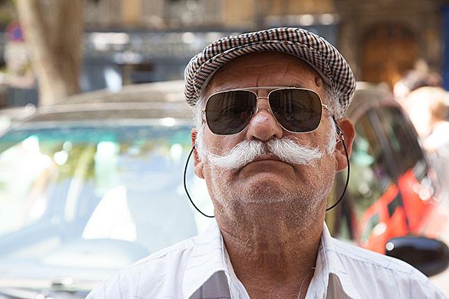 Aix-en-Provence, Moustache