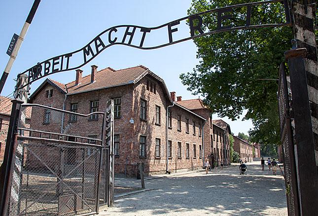 Oswiecim, Auschwitz 70 Years