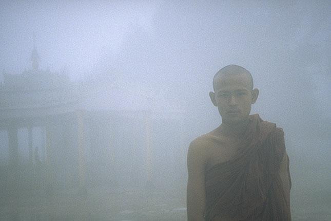 Kyaiktiyo, Monk