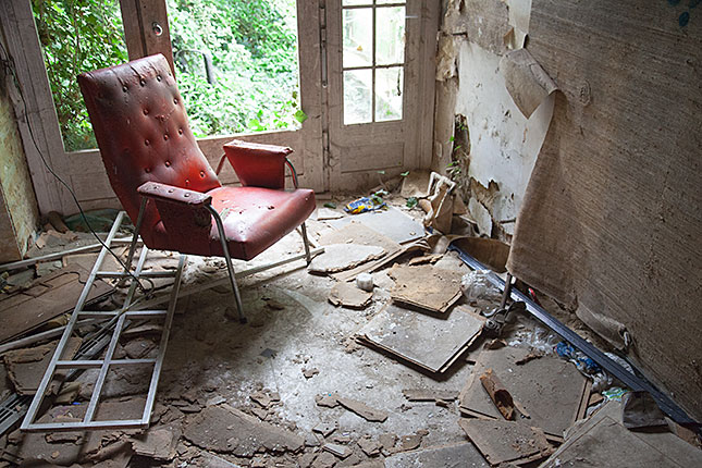 Doel, Abandoned Home