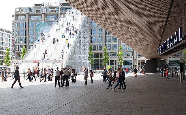 Rotterdam, Stairs and Station